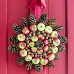corona-con-manzanas-nueces-y-pinas